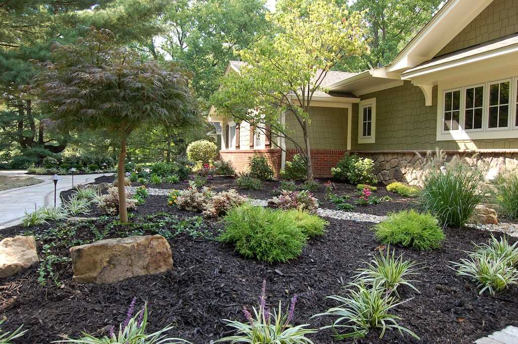 Indianapolis landscaping gallery country gardens for Landscaping rocks indianapolis