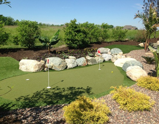 Noblesville Pool & Putting Green